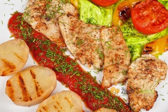 Steaky z okouna: příklad servírování