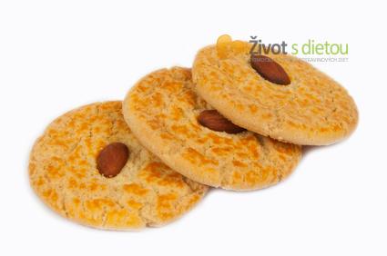 Sýrová kolečka s mandlemi (ilustrační fotografie)