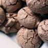 Čokoládové pusinky s kardamonem