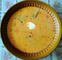 Polévka s fazolovými lusky a smetanou